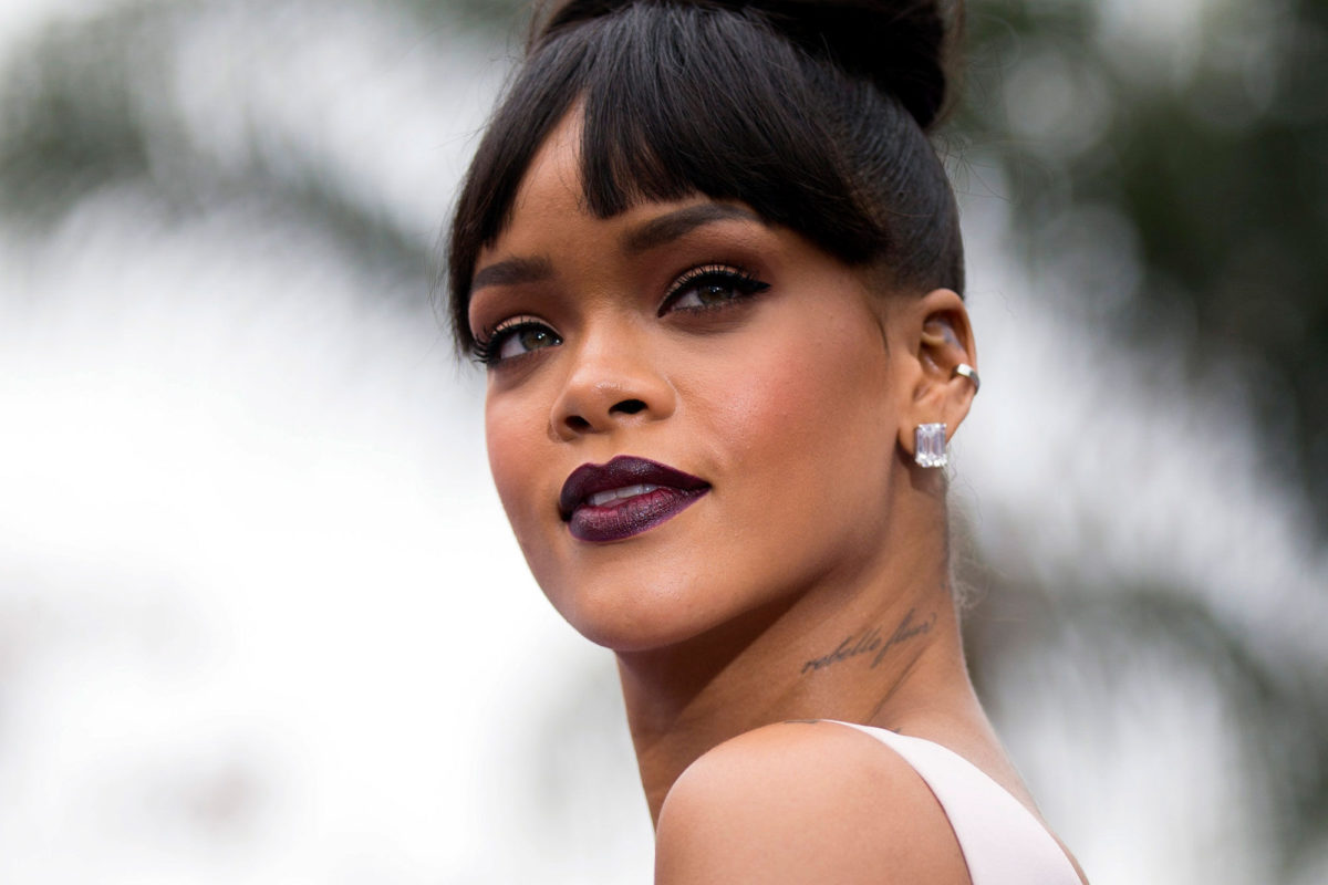 Rihanna devance Elvis
