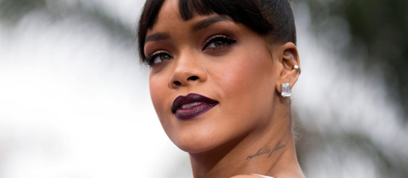 Rihanna devance Elvis