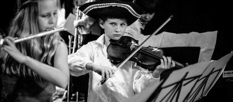 A la place d'un cours de flûte, un cours de musique sur Youtube